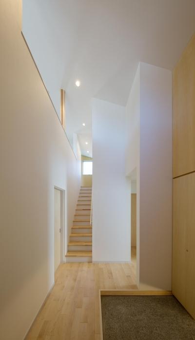 玄関 階段 (池花の家)