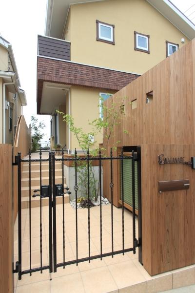 町田市W邸:新築を彩るエクステリア (門&塀)