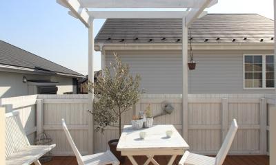 ウッドテラス|町田市K邸:バルコニーを拡げて空間の有効活用