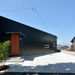 Ballena (駐車場が広い平屋住宅)