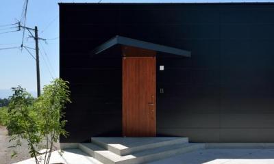 Ballena (アクセントカラーの玄関ドア)