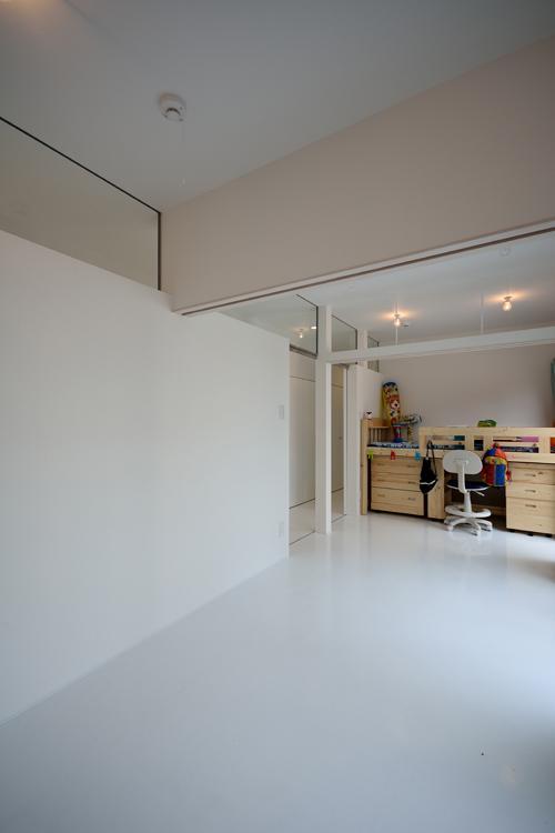 Terrace2567の写真 真っ白な子供部屋