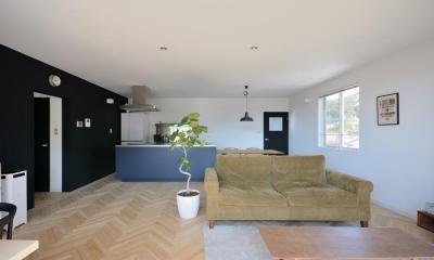 ヘリンボーン床の素敵な空間 日南の家