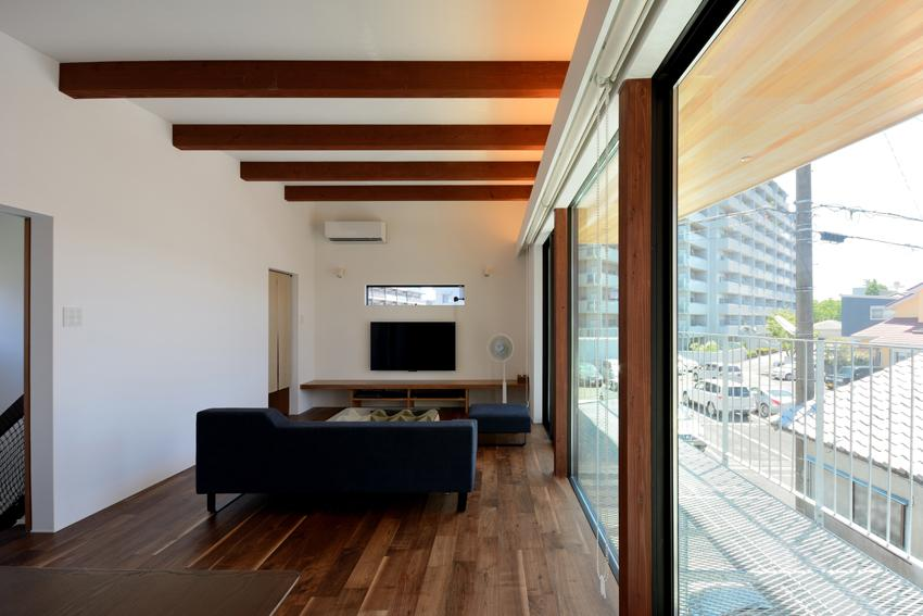 puraの部屋 テラスと一体感のあるリビング