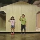 小屋風の壁で仕切った子供部屋
