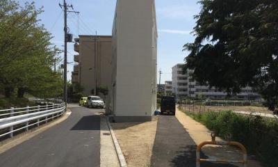 建物側面の外観・駐車場|short cake house