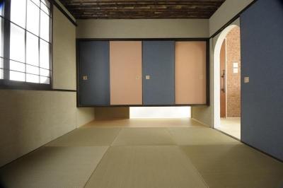 琉球畳を敷き詰めた和室 (h-house)
