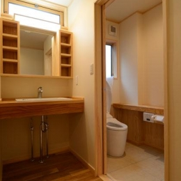 TH邸新築工事 (洗面脱衣室、トイレ)