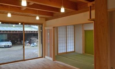 TH邸新築工事 (居間と茶の間)
