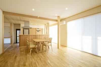 HT邸増築工事 (居間食事室)