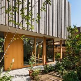 回廊の家-自然と触れ合える玄関