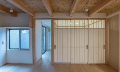 リビング|東山の家2|伝統環境保存区域の狭小敷地住宅