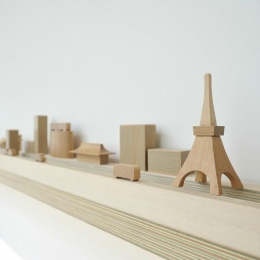 KJ-house (街を模した飾り棚)