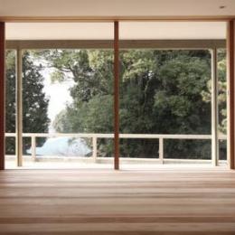 MUKURI house-テラスと繋がりのあるリビング