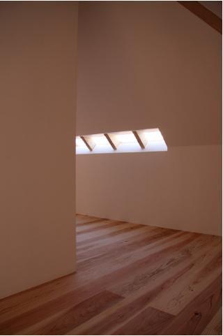 smoke hutの部屋 屋根形状に合わせた空間