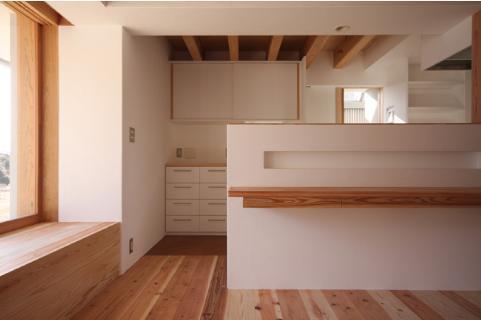 smoke hutの部屋 ニッチスペースのあるキッチンカウンター