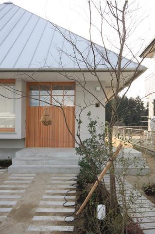 建築家:伊藤嘉浩「smoke hut」
