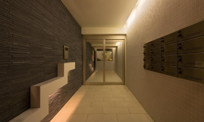 M-B.L.D 「曲線と直線の建築」 (玄関)