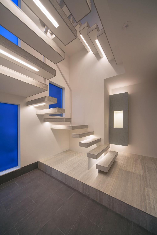 Y8-house 「木と石の家」 (階段)