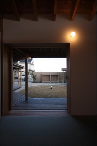 東の南 Houseの写真 縁側と繋がる空間