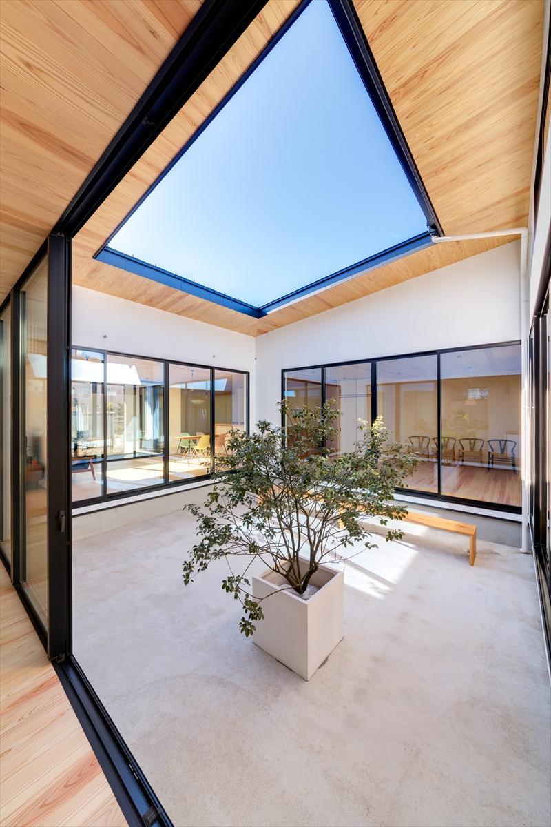 Takuya Hasegawa「平屋・回廊の家」