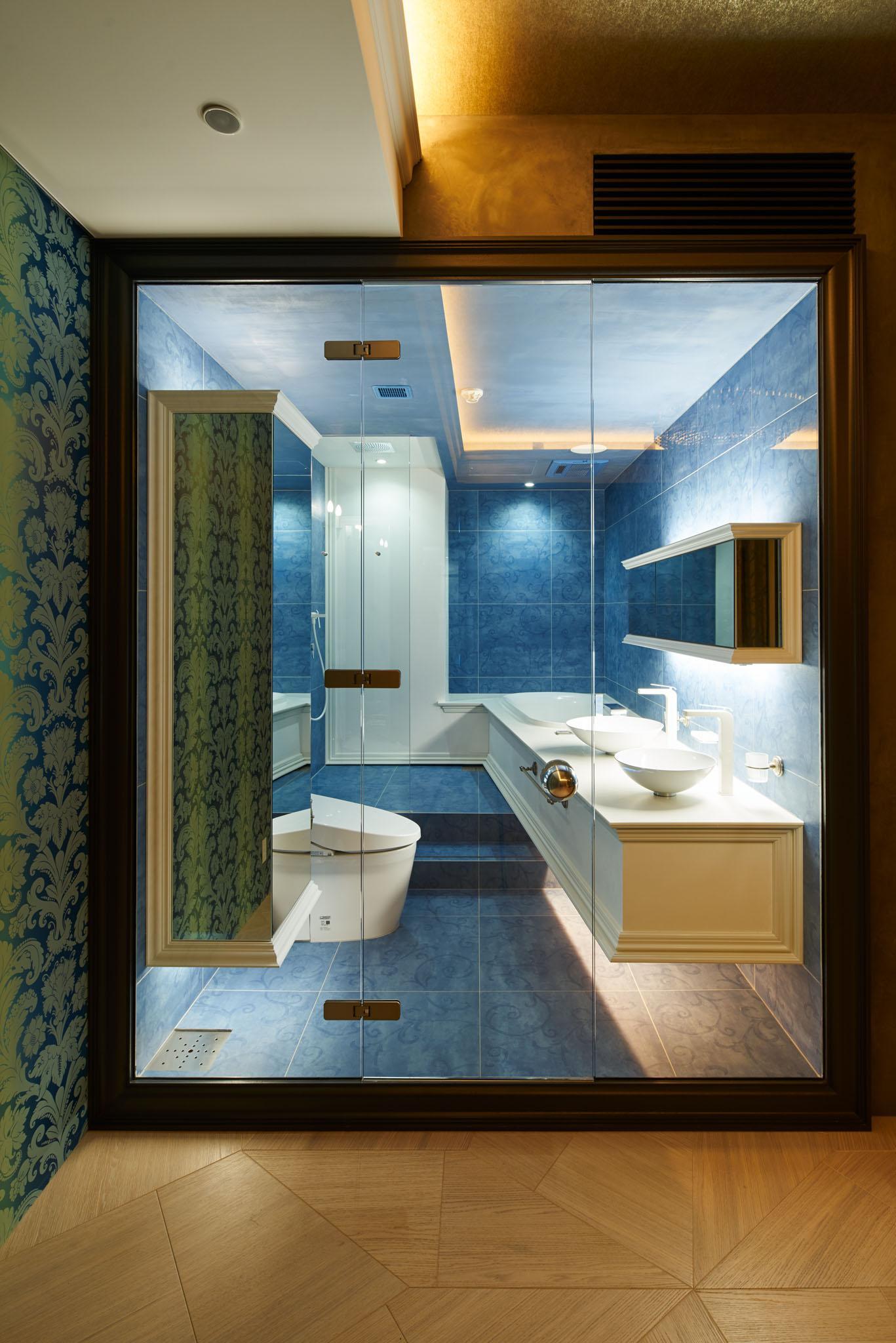 G-HOUSEの部屋 ガラス張りのトイレと洗面