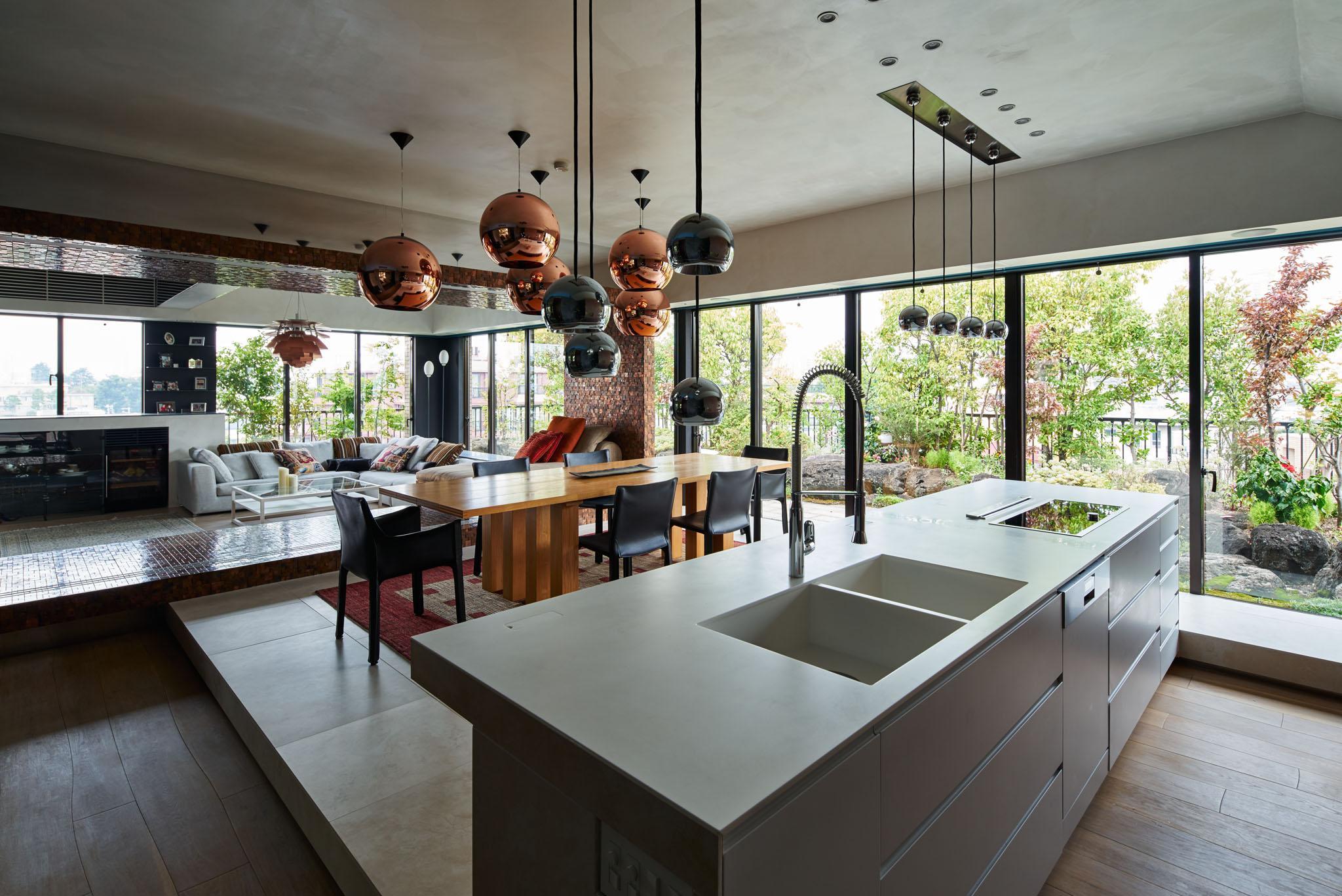 G-HOUSEの写真 キッチンから全体を眺める