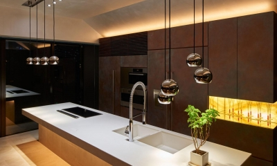 G/E-HOUSE (白と銅を基調としたキッチン)