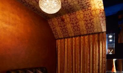 G/E-HOUSE (天井にこだわった寝室)