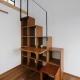 本棚階段 (ひかりさすほうへ)