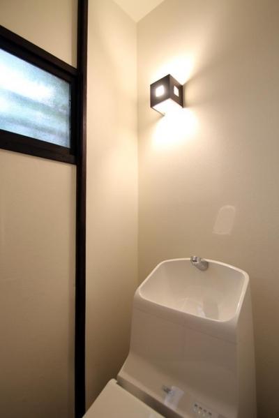 トイレ (家族の思い出と暮らす一戸建リノベーション)