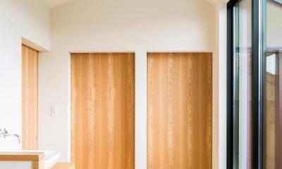 間仕切り戸と2階ホール close 自然の恵みを感じる家