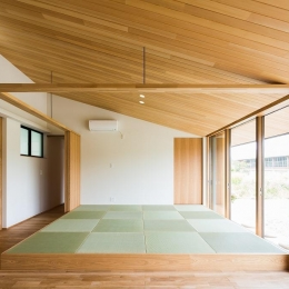琉球畳を敷いた畳スペース (自然の恵みを感じる家)