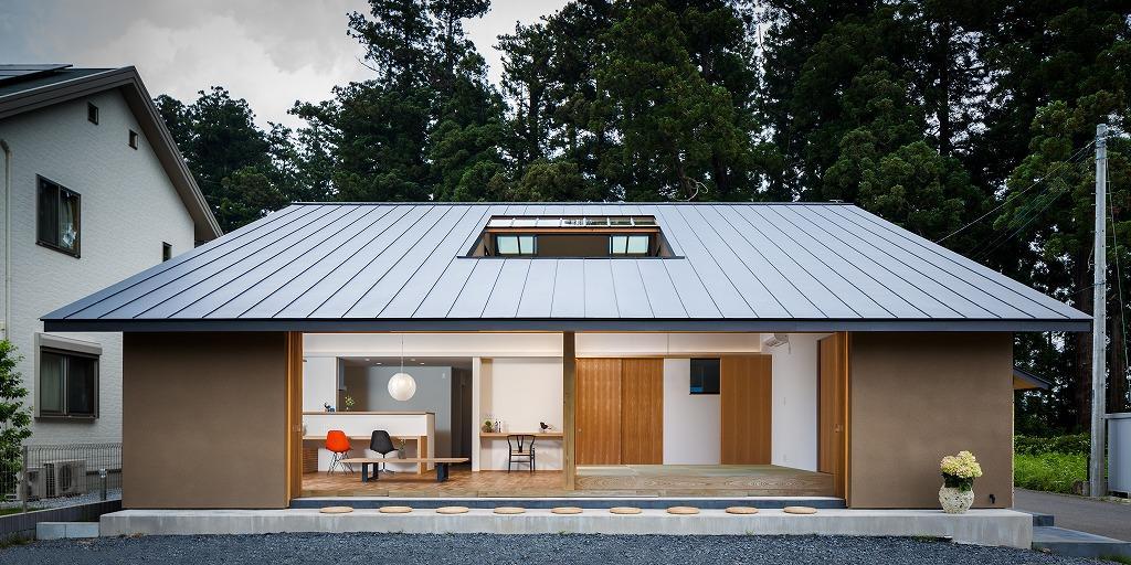 自然の恵みを感じる家の写真 全開口6枚サッシを開けた開放的なLDK・外観