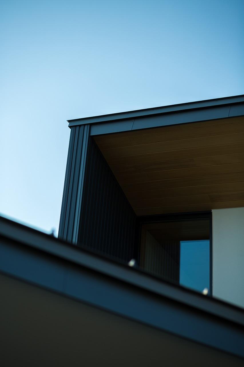 緩やかに囲む家の写真 外観