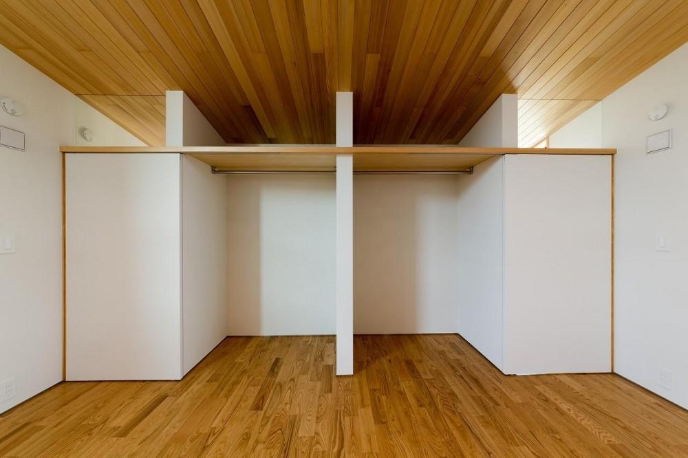 緩やかに囲む家 (クローゼットと洋室 2)