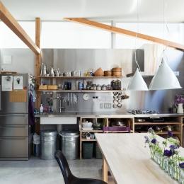 見せる収納のキッチン