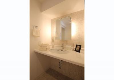 洗面室 (メゾネットタイプを素敵リノベーション)