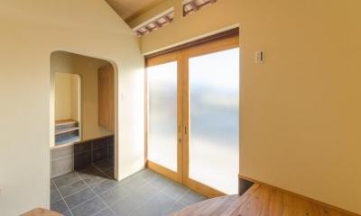 『黒瀬の家』 赤瓦の日本家屋リノベーション (玄関)