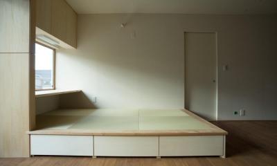 玄関を共有する二世帯のリノベーション:『青葉区の二世帯住宅』