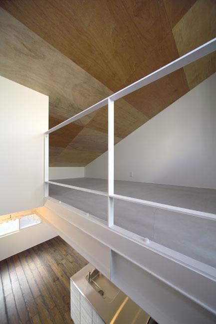 4LAYERの部屋 天井が目を引く空間