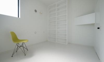 中庭のあるスキップフロアの家・OUCHI-32 (寝室)