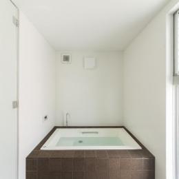 旭-I (明るい浴室)
