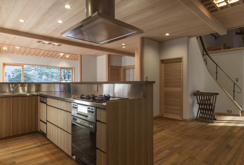 土間空間のある家−築80年の民家再生−の部屋 オーダーキッチン