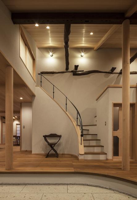土間空間のある家−築80年の民家再生−の部屋 階段