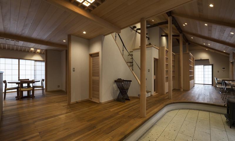 土間空間のある家−築80年の民家再生−の部屋 北と東を見る