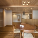 次世代に引き継ぐ家 −世田谷の民家再生−の写真 ダイニングキッチン