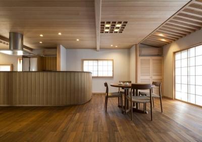 土間空間のある家−築80年の民家再生− (ダイニングキッチン)