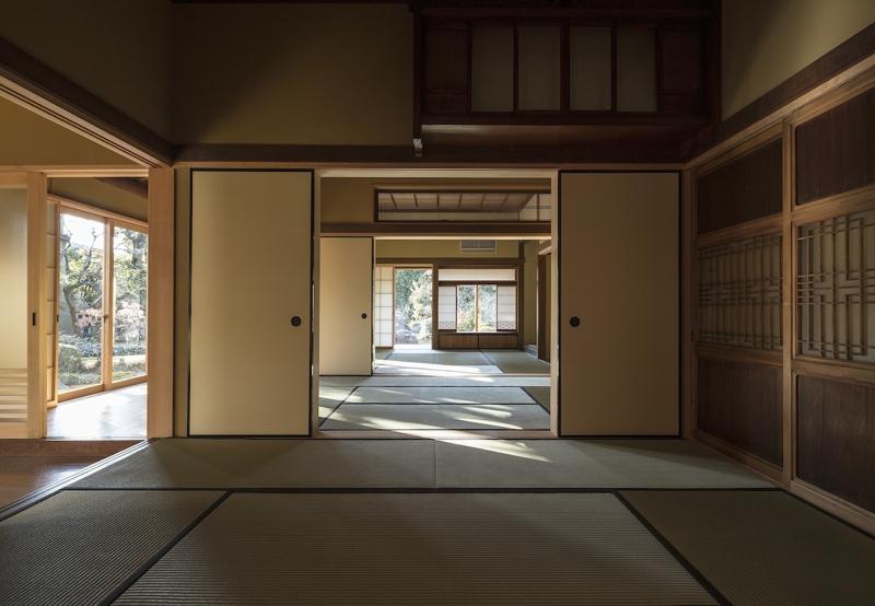 土間空間のある家−築80年の民家再生−の部屋 前の間より