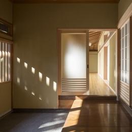 土間空間のある家−築80年の民家再生− (玄関内部)